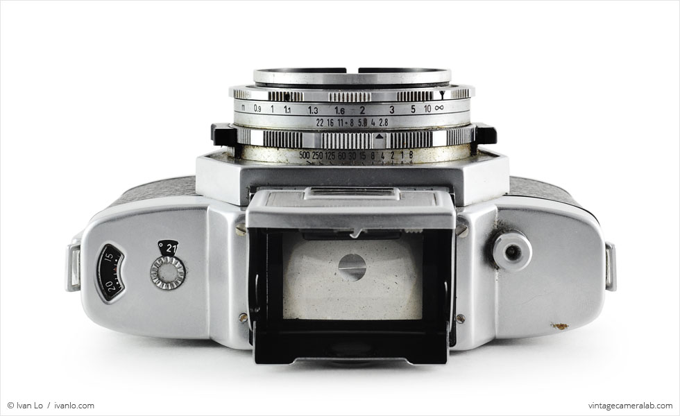 Agfa Flexilette (top view, viewfinder open)