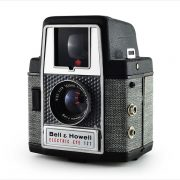 Bell & Howell Electric Eye 127 (three quarters)