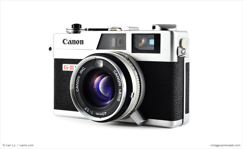 Canon Canonet QL17 G-III (three quarters)
