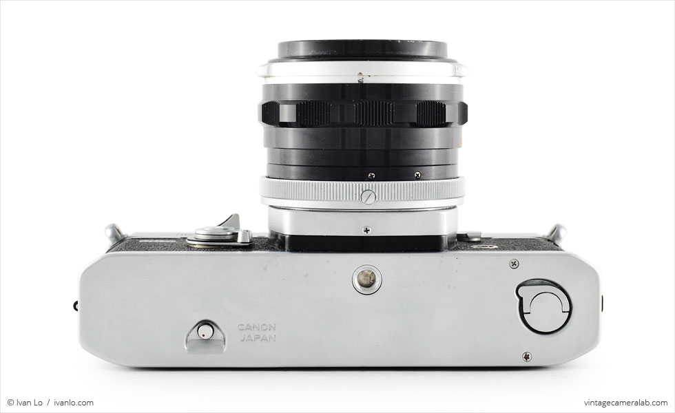 Canon FT QL (bottom view, with Canon FL 50mm f/1.8)