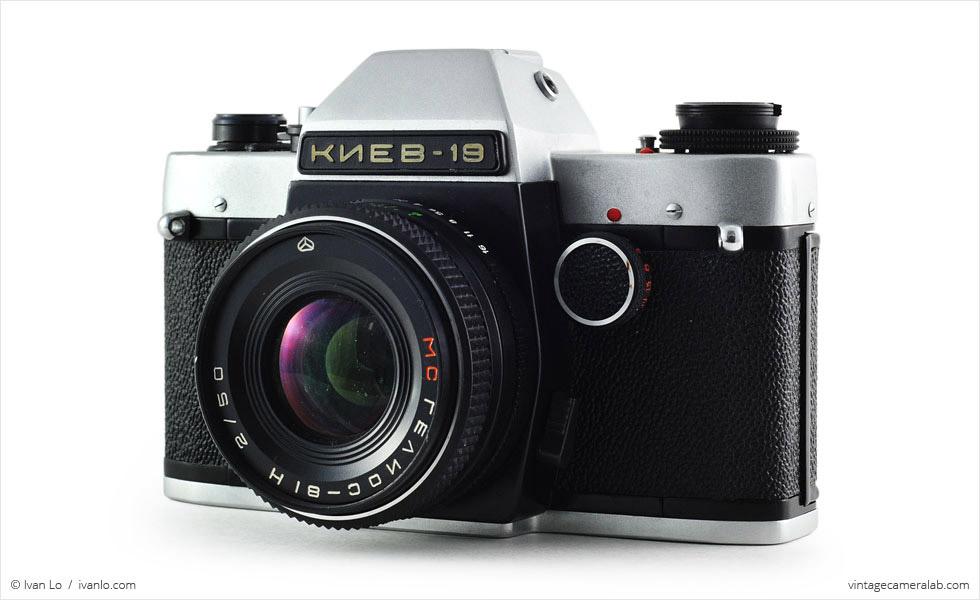 Kiev-19 (three quarters, with Helios-81H MC 50mm f/2 lens)