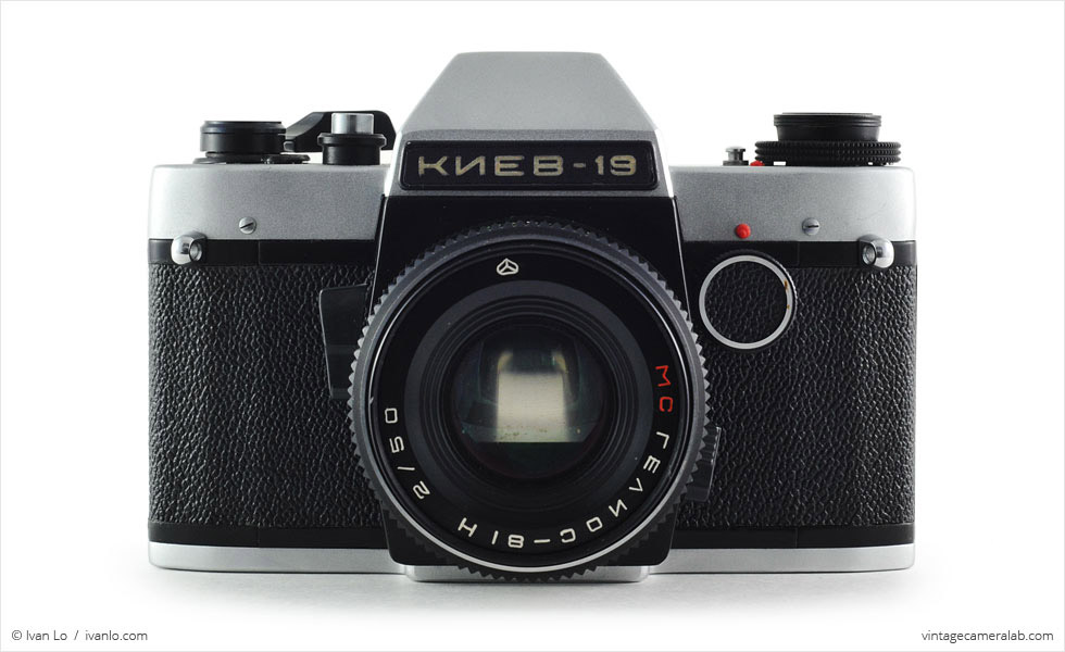 Kiev-19 (front view, with Helios-81H MC 50mm f/2 lens)