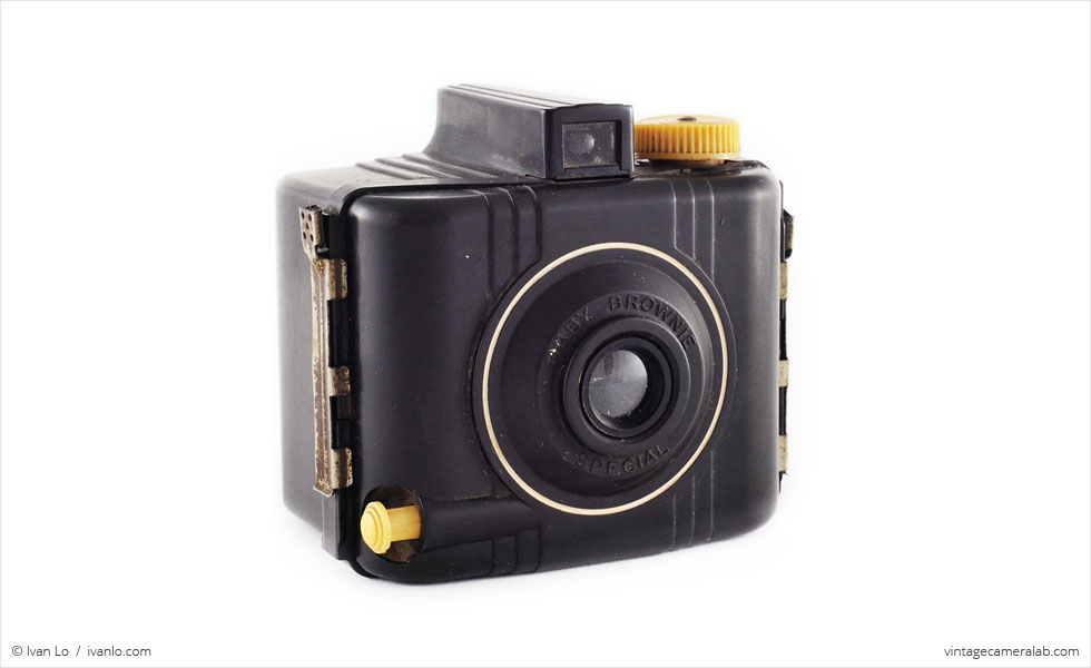 Kodak Baby Brownie Special (three quarters)