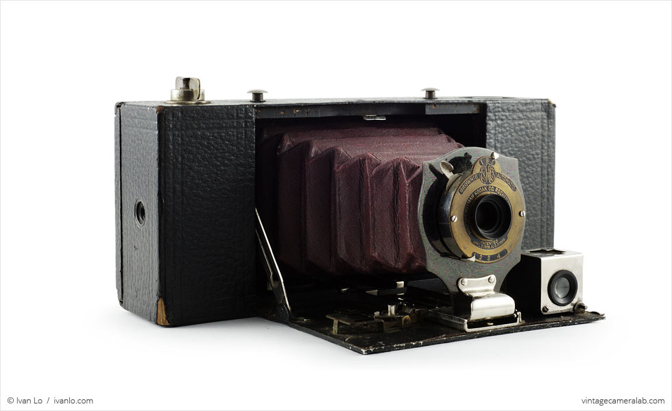 Kodak No. 2A Folding Pocket Brownie (three quarters, open)