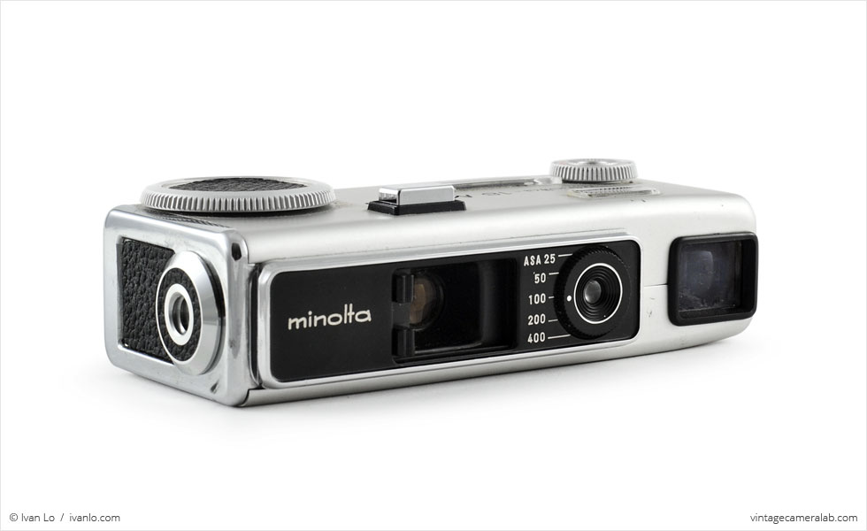 Minolta-16 MG-S (three quarters, lens open)