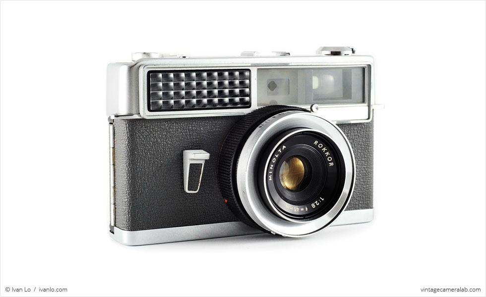 Minolta Hi-Matic (three quarters)