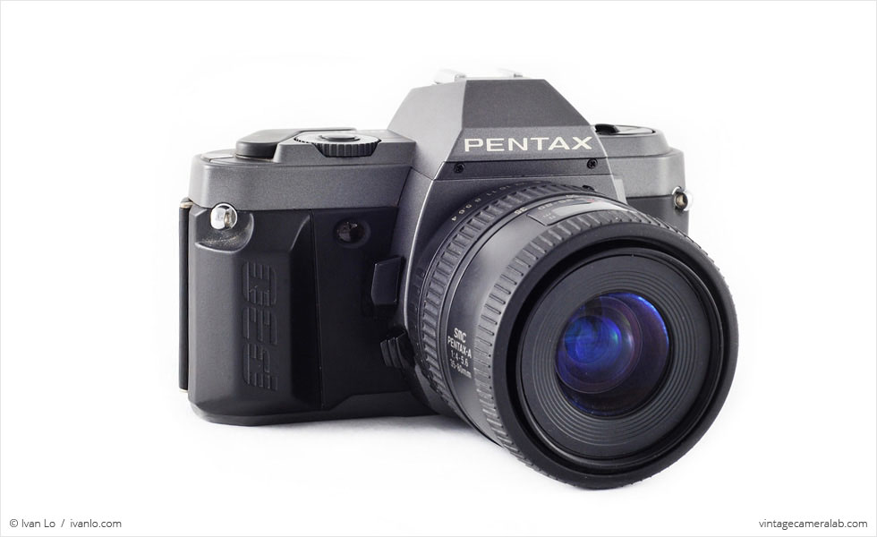 Pentax P30T (three quarters, with Pentax 35-80mm f/4.0-5.6 lens)