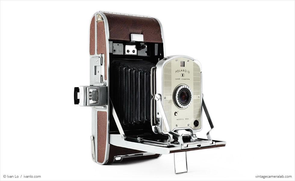 Polaroid Land Model 95A (three quarters, open)