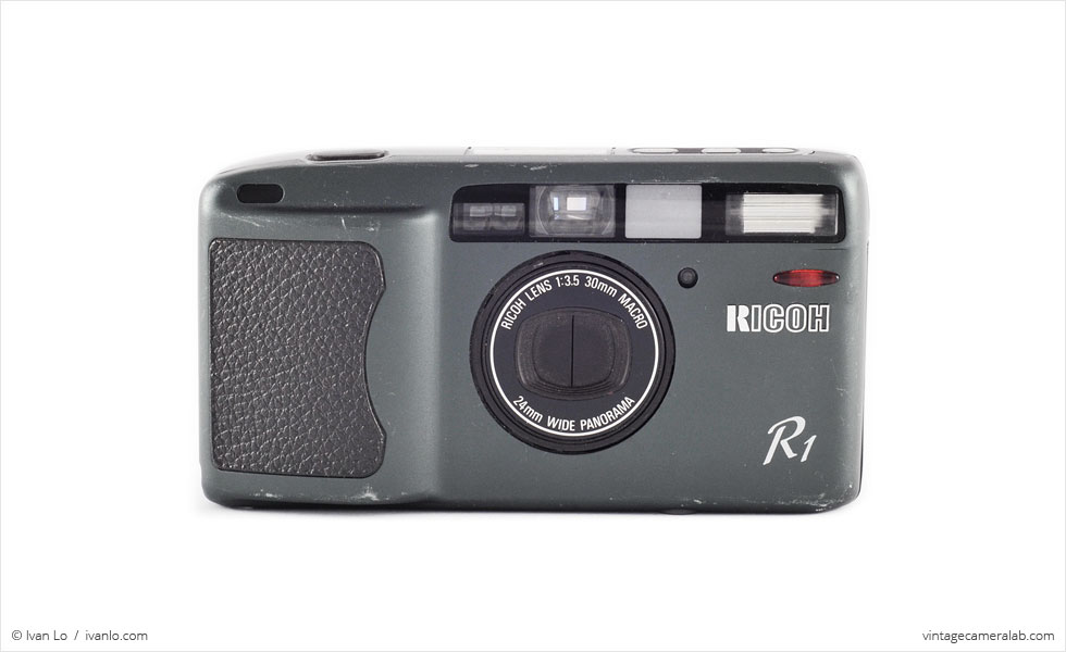 Ricoh R1 (front view)