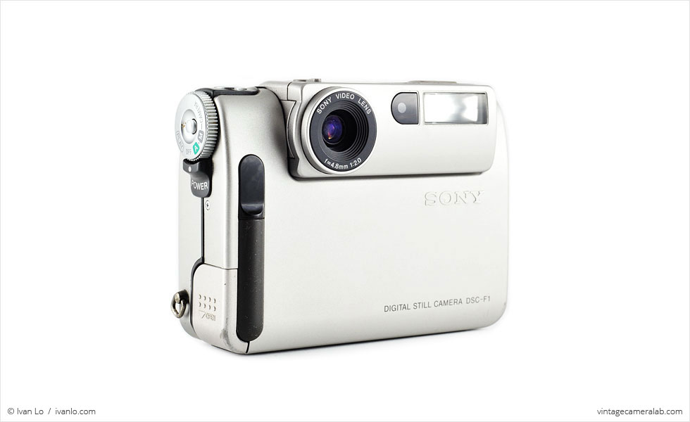 Sony DSC-F1 (three quarters)