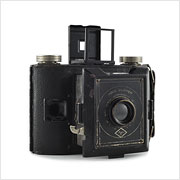 Read about the Agfa PD16 Clipper camera on Vintage Camera Lab
