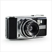 Read about the GOMZ-LOMO Voskhod camera on Vintage Camera Lab