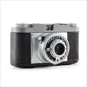 Read about the Spartus 35 camera on Vintage Camera Lab