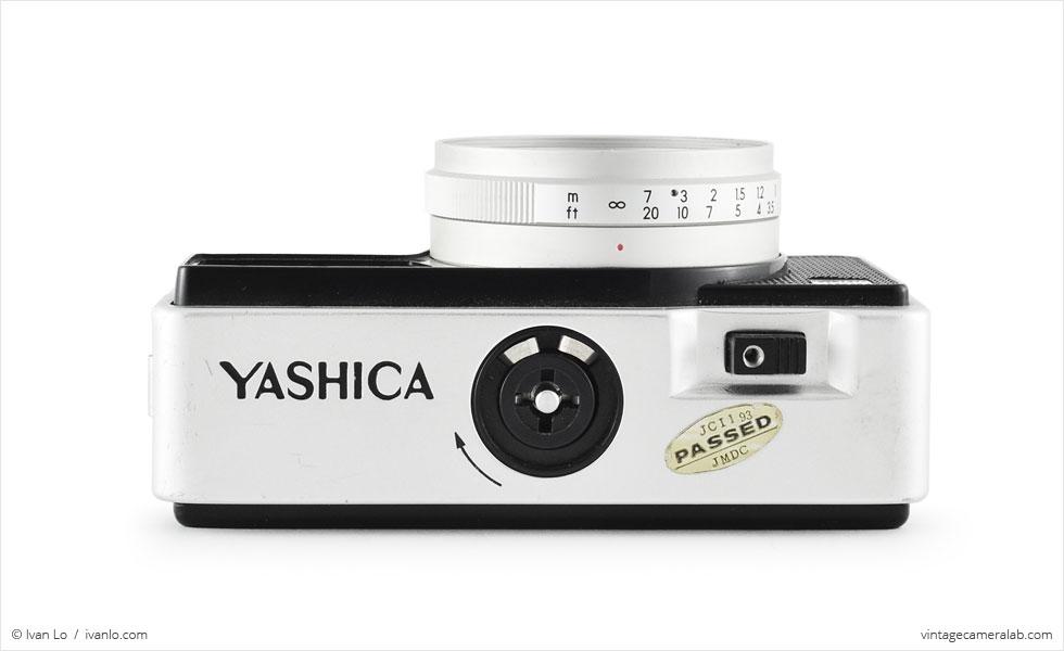 Yashica EZ-Matic Electronic (top view)