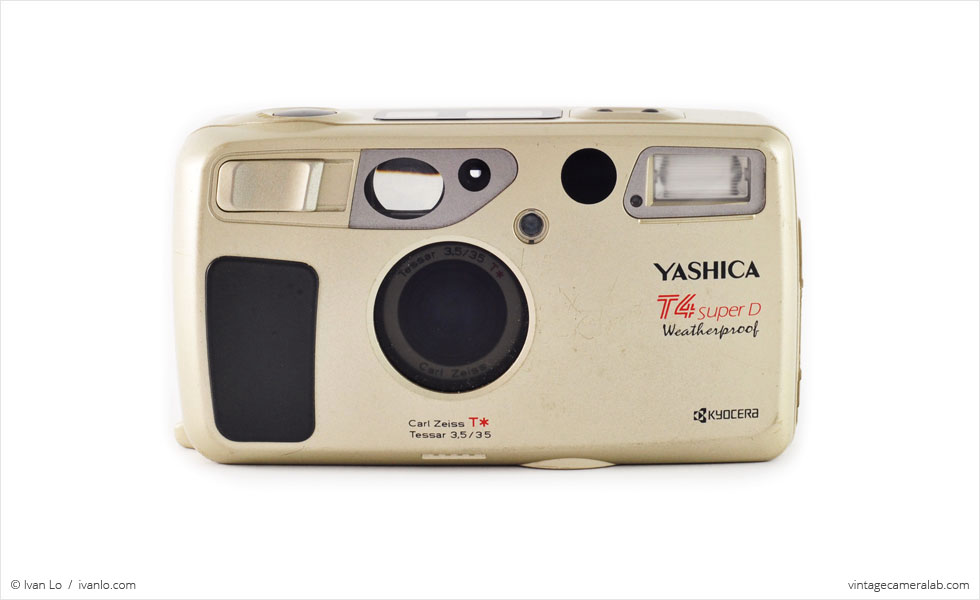 Yashica T4 Super D (front view)