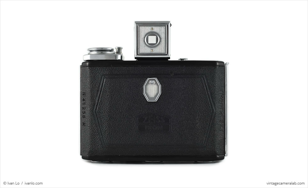 Zeiss Ikon Ikonta 521 (rear view, viewfinder up)