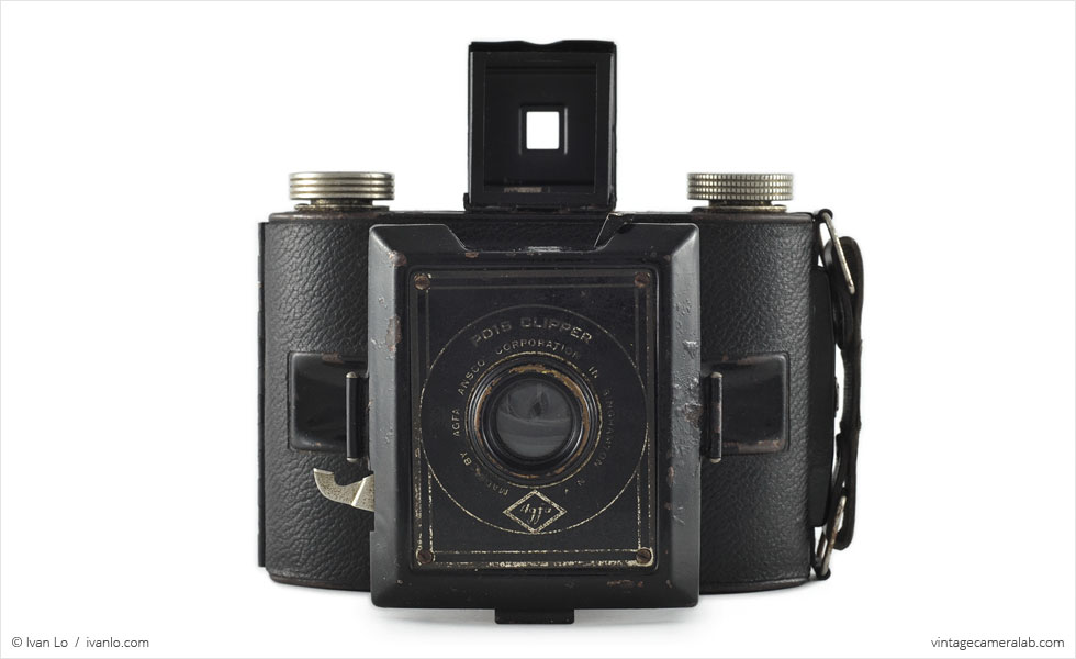 Agfa PD16 Clipper (front view, lens extended, viewfinder up)
