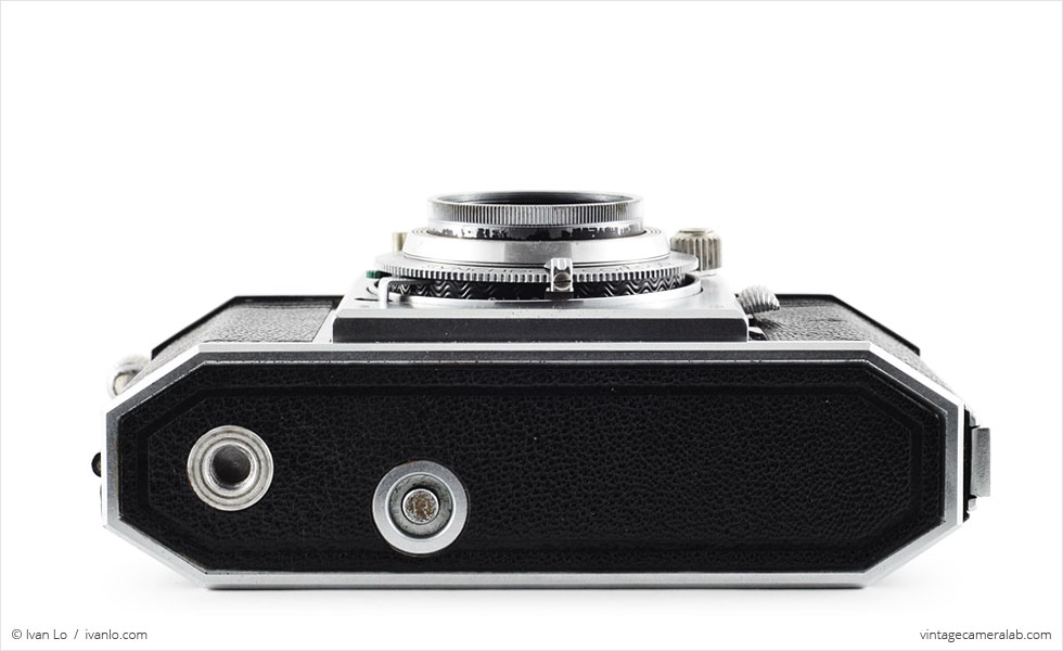 Ansco Karomat (bottom view, lens retracted)