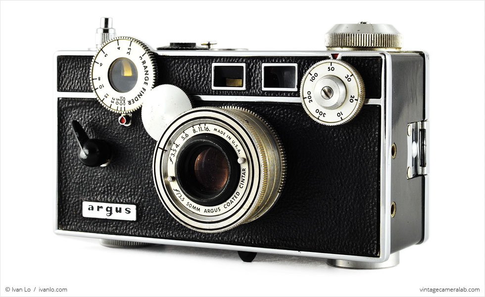 Argus C3 (three quarters, with Cintar 50mm f/3.5)