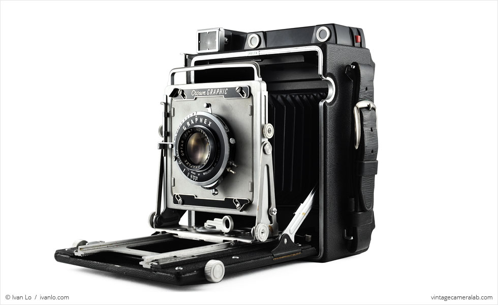 Graflex Crown Graphic (three quarters, open)