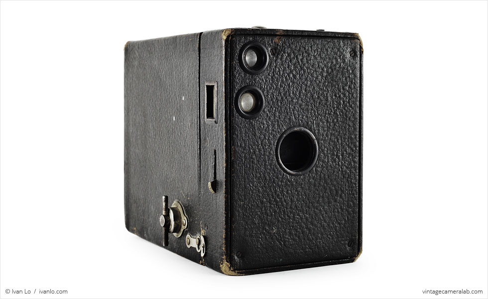 Kodak No. 2A Brownie Model B (three-quarter view)
