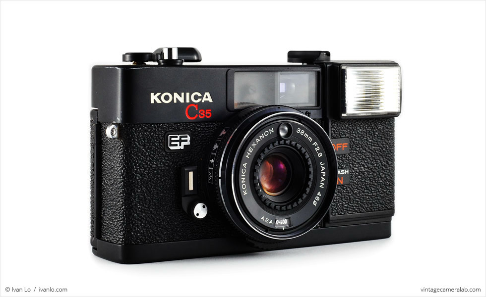 Konica C35 EF (three-quarter view)