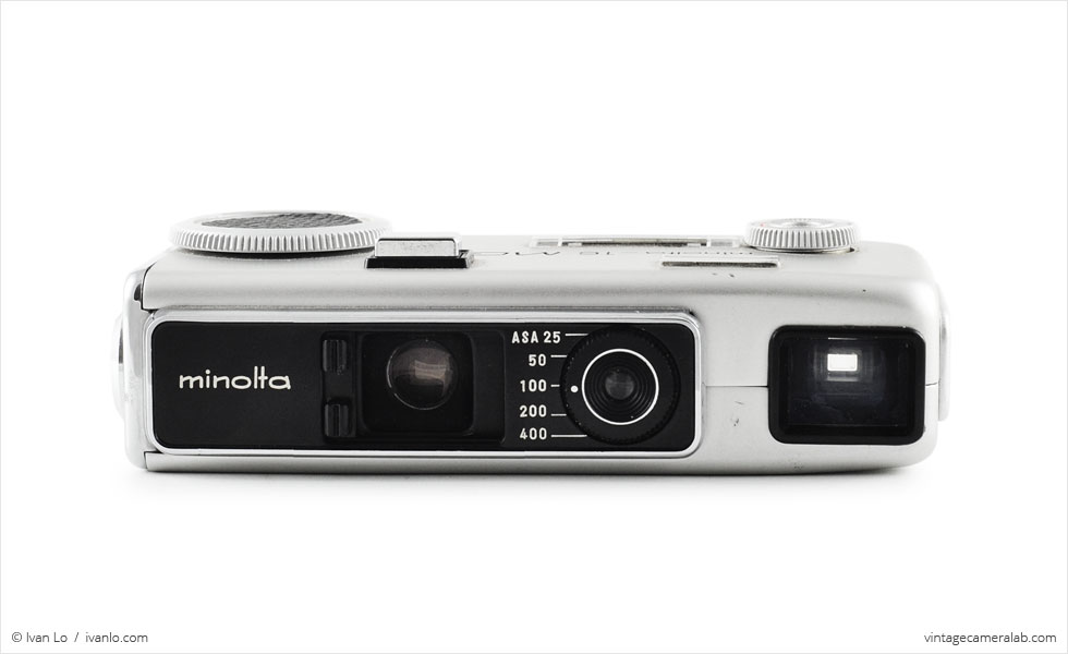 Minolta-16 MG-S (front view, lens open)