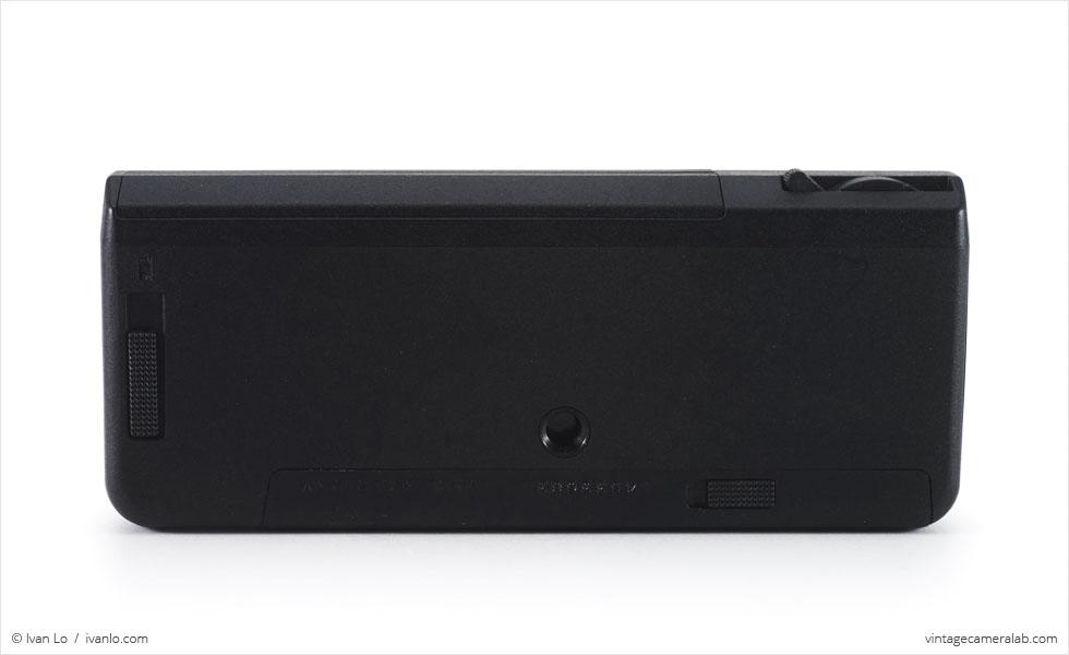 Minox 110 S (bottom view)