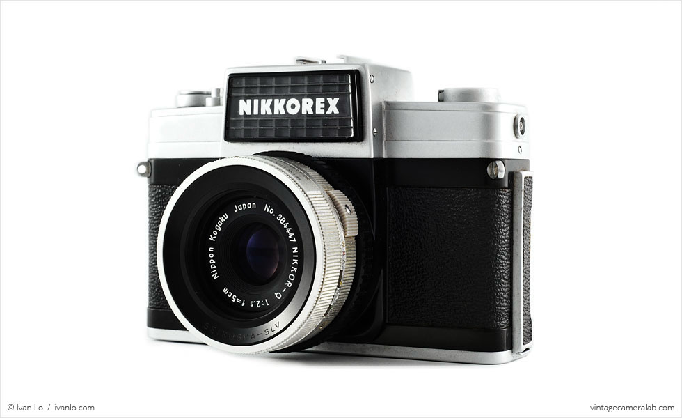 Nikon Nikkorex 35 II (three-quarter view)
