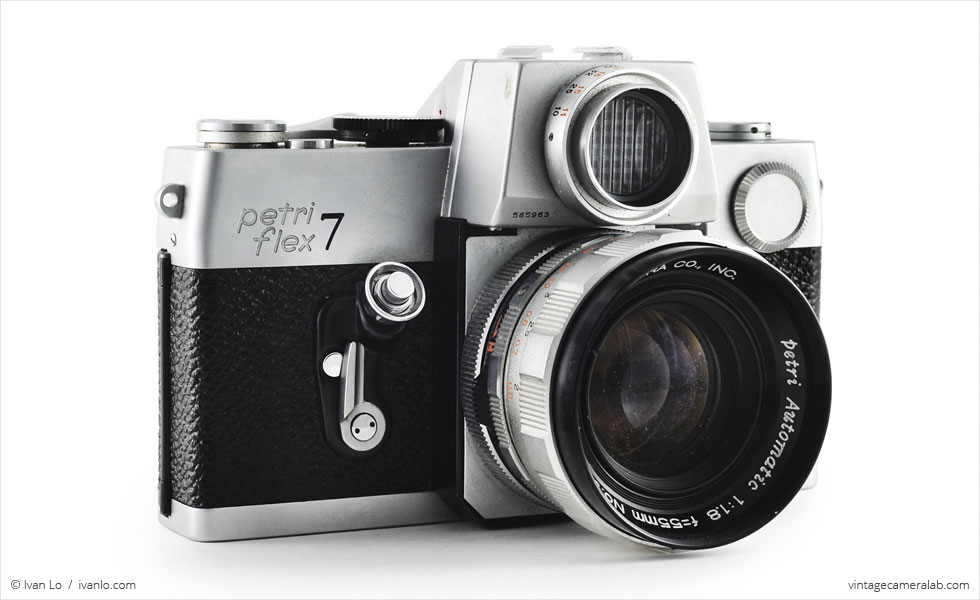 Petri Flex 7 (three quarters, with Petri Automatic 55mm f/1.8}