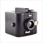 Read about the Kodak Six-20 Bull's Eye camera on Vintage Camera Lab