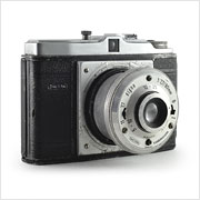 Read about the Dacora Digna camera on Vintage Camera Lab
