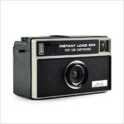 Read about the Imperial Instant Load 900 camera on Vintage Camera Lab