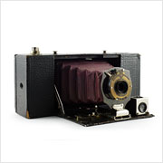 Read about the Kodak No. 2A Folding Pocket Brownie camera on Vintage Camera Lab
