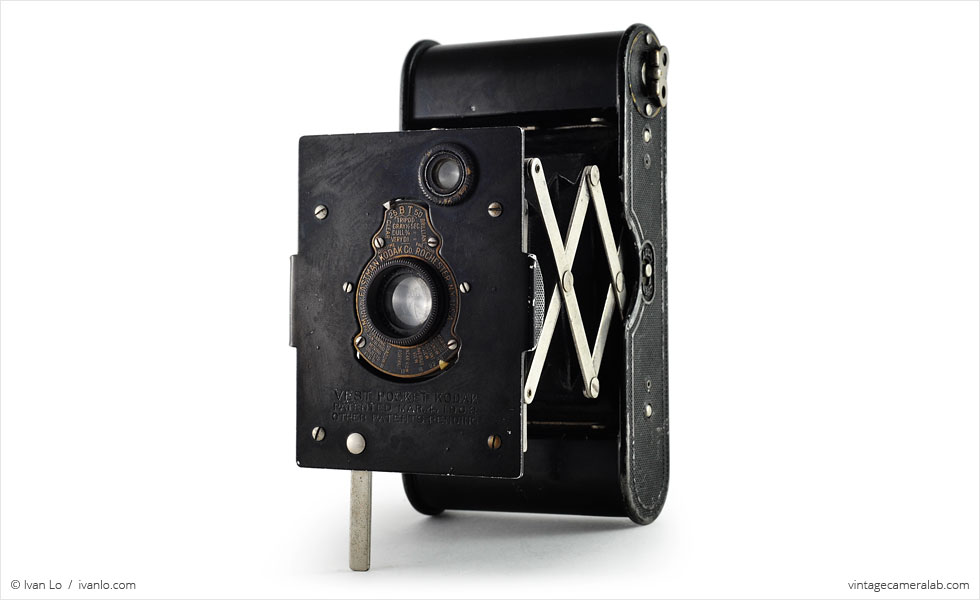 Vest Pocket Kodak (three quarters, open)