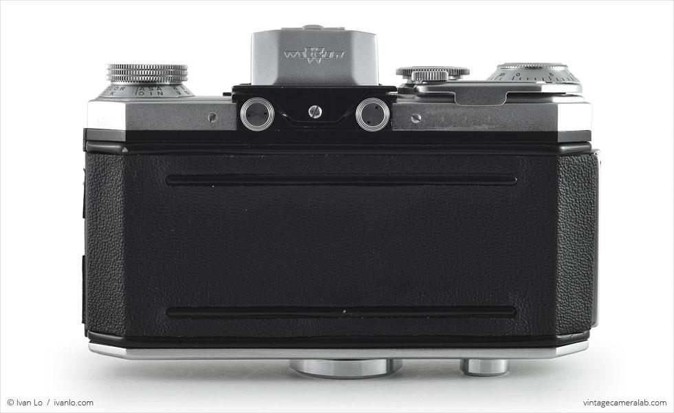 Wirgin Edixa Flex (rear view, viewfinder open)