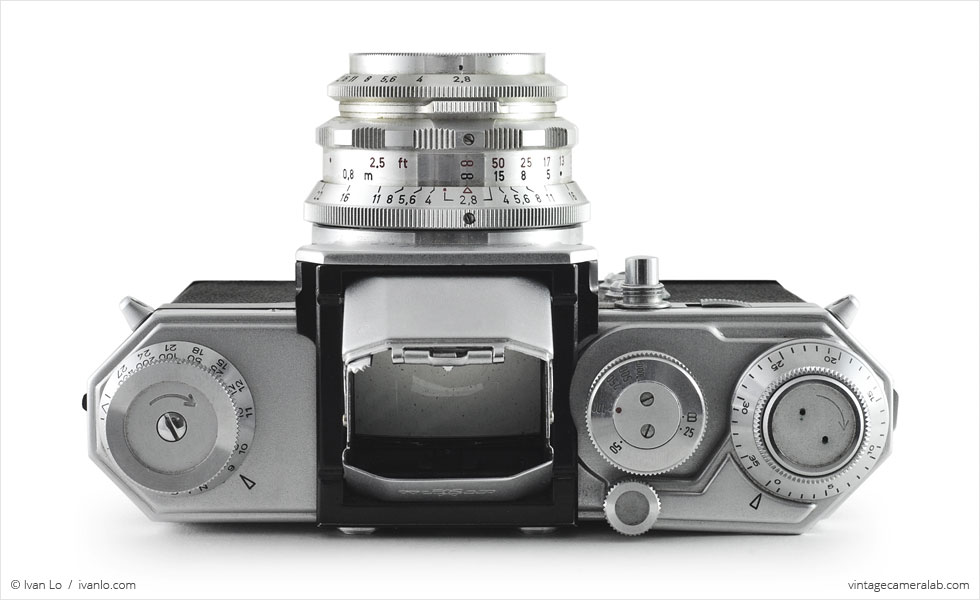 Wirgin Edixa Flex (top view, viewfinder open, with Schneider-Kreuznach Edixa-Laudar 50mm f/2.8)