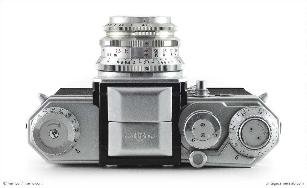 Wirgin Edixa Flex (top view, with Schneider-Kreuznach Edixa-Laudar 50mm f/2.8)