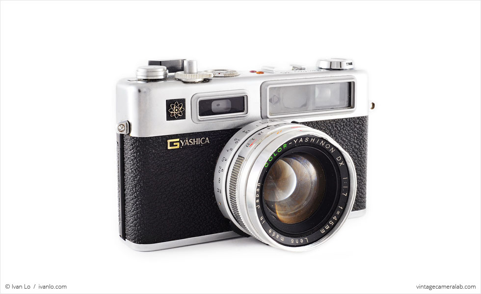Yashica Electro 35 GS (three-quarter view)