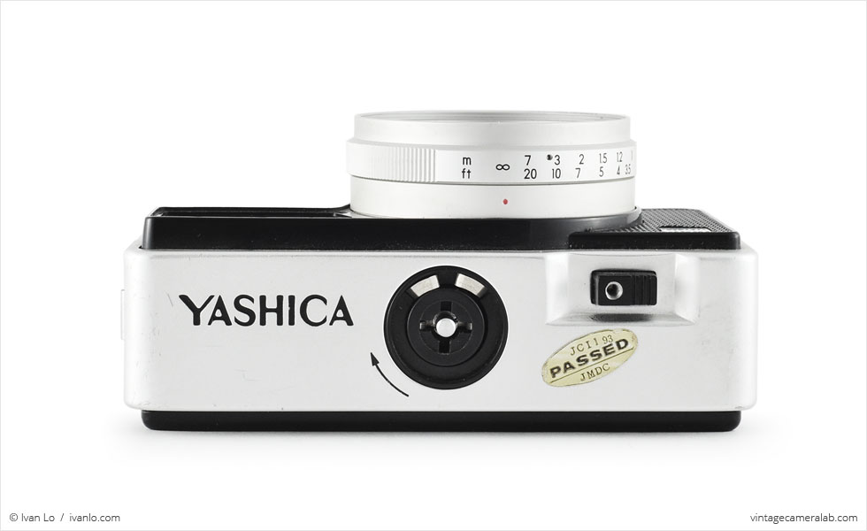 Yashica EZ-Matic Electronic (top view)