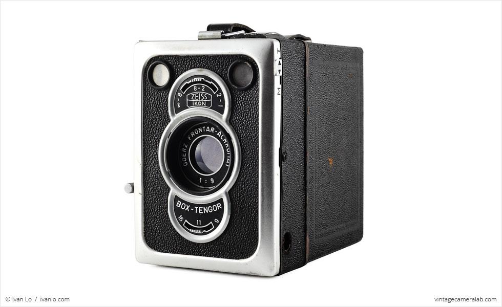 Zeiss Ikon Box-Tengor 56/2 (three-quarter view)