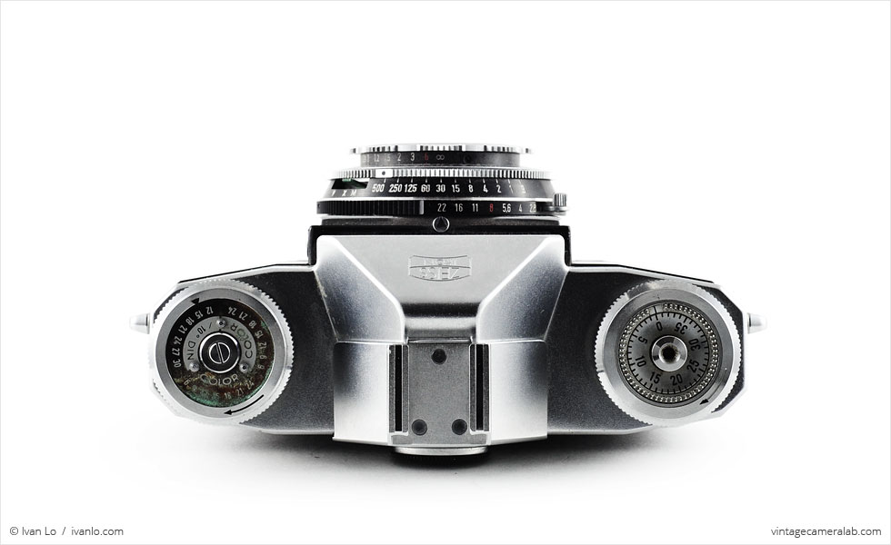 Zeiss Ikon Contaflex I (top view)